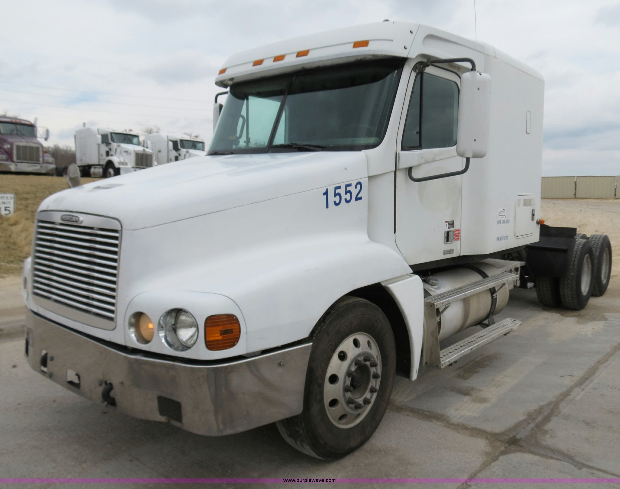 B4578 image for item B4578 1999 Freightliner Century Class ...