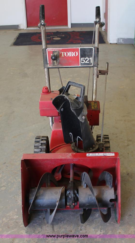 Toro 521 snow blower item v9107 sold february 20 midwes v9107 image for item v9107 toro 521 snow blower sciox Image collections