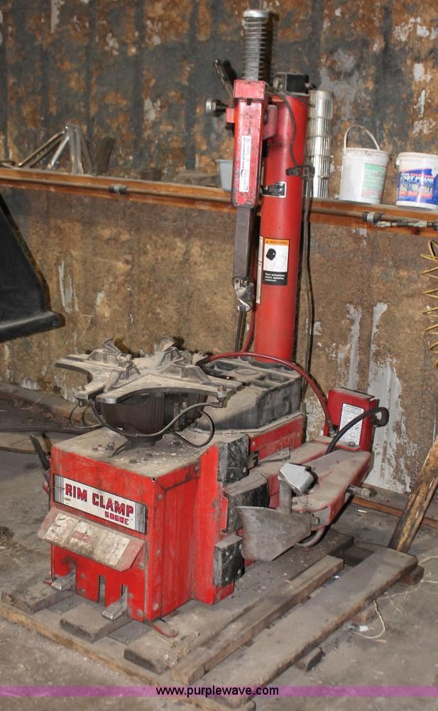 Coats 5060E rim clamp tire machine | Item V9205 | SOLD ...