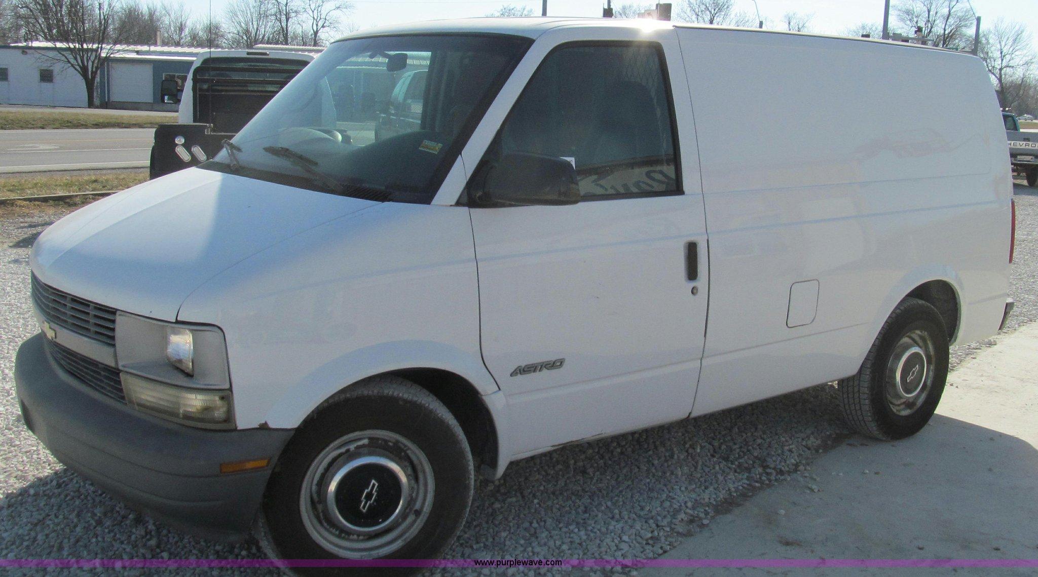 1999 Chevrolet Astro Cargo Van Item E3675 Sold February