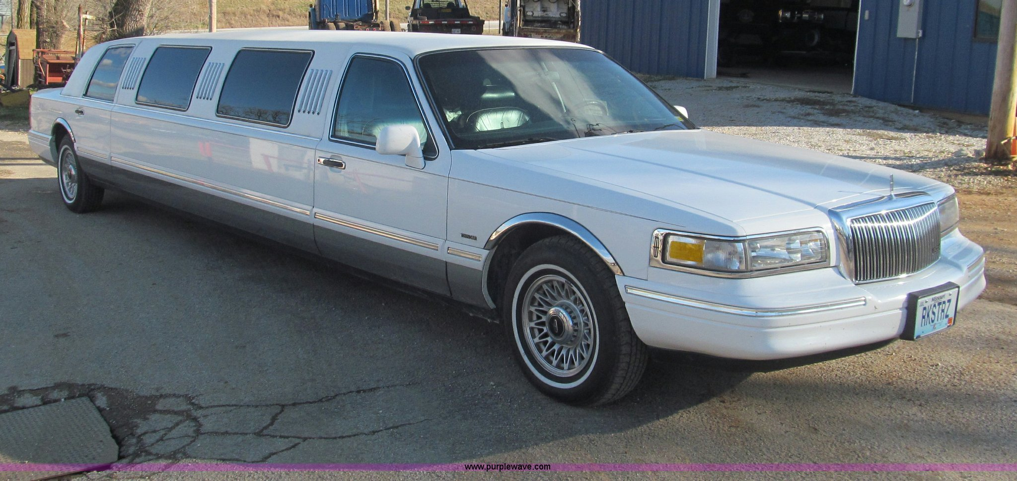 1996 Lincoln Town Car Executive 120 Stretch Limo Ite