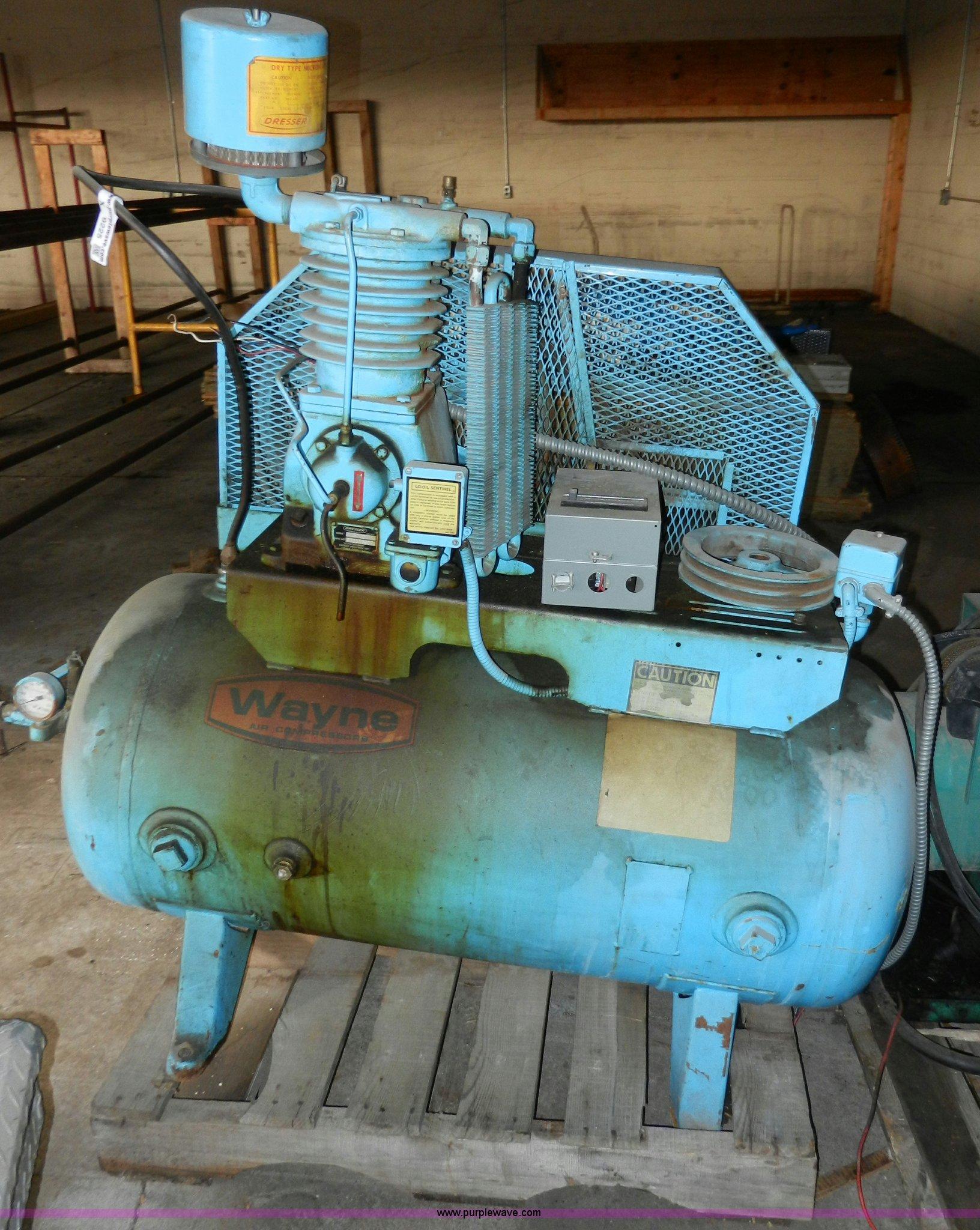 X9225 image for item X9225 1977 Wayne air compressor