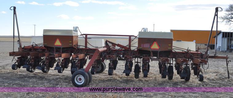 Case Ih 800 Planter Item C3389 Sold February 27 Ag Equi
