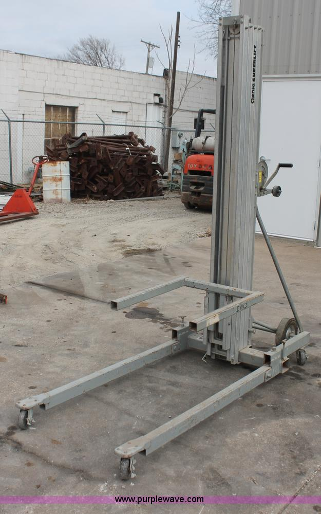 Genie plm-24 manual man lift | item ac9974 | sold! October 1.