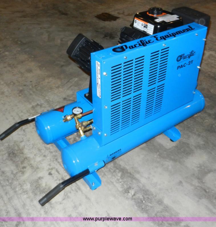 Pacific PAC-2T eight gallon air compressor | no-reserve