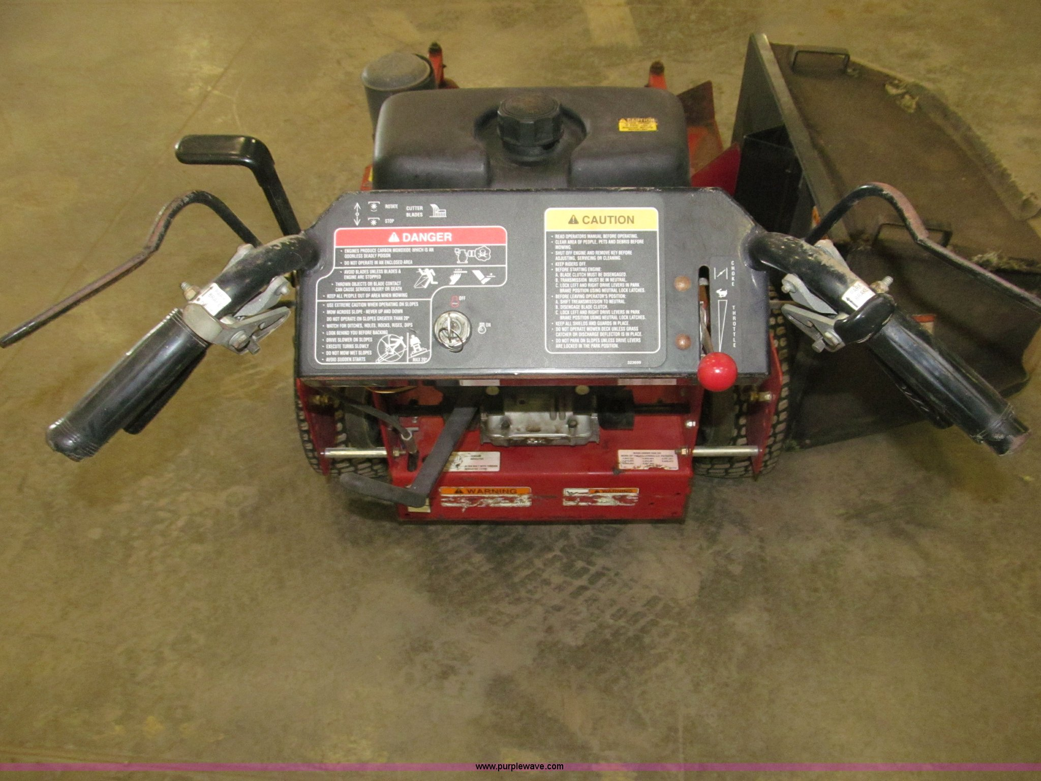 Exmark Metro HP commercial lawn mower | Item B5354 | SOLD! M
