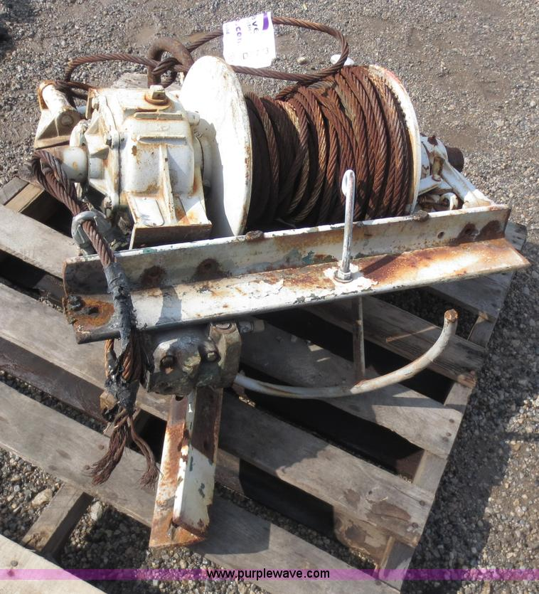 braden hydraulic winch no reserve auction on wednesday. Black Bedroom Furniture Sets. Home Design Ideas