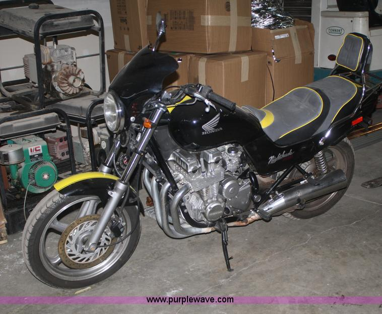 1992 Honda CB750 Nighthawk motorcycle | Item V9530 | SOLD! W