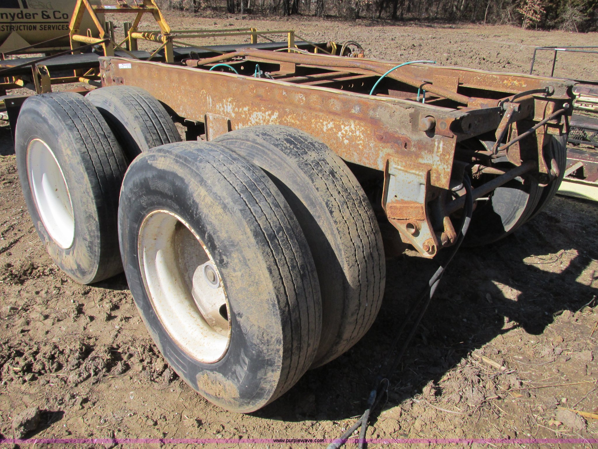 Double axle frame cut-off semi trailer | Item X9874 | SOLD! ...