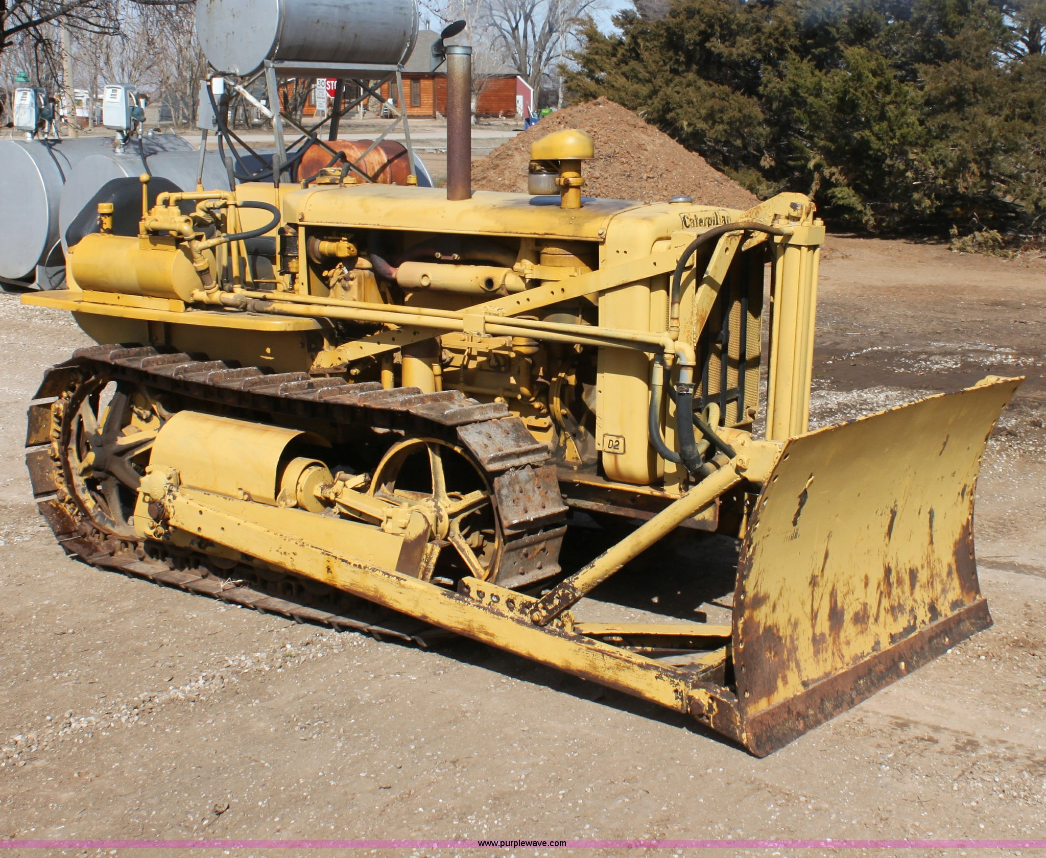 1944 Caterpillar D2 dozer | Item E8447 | SOLD! March 28 Cons