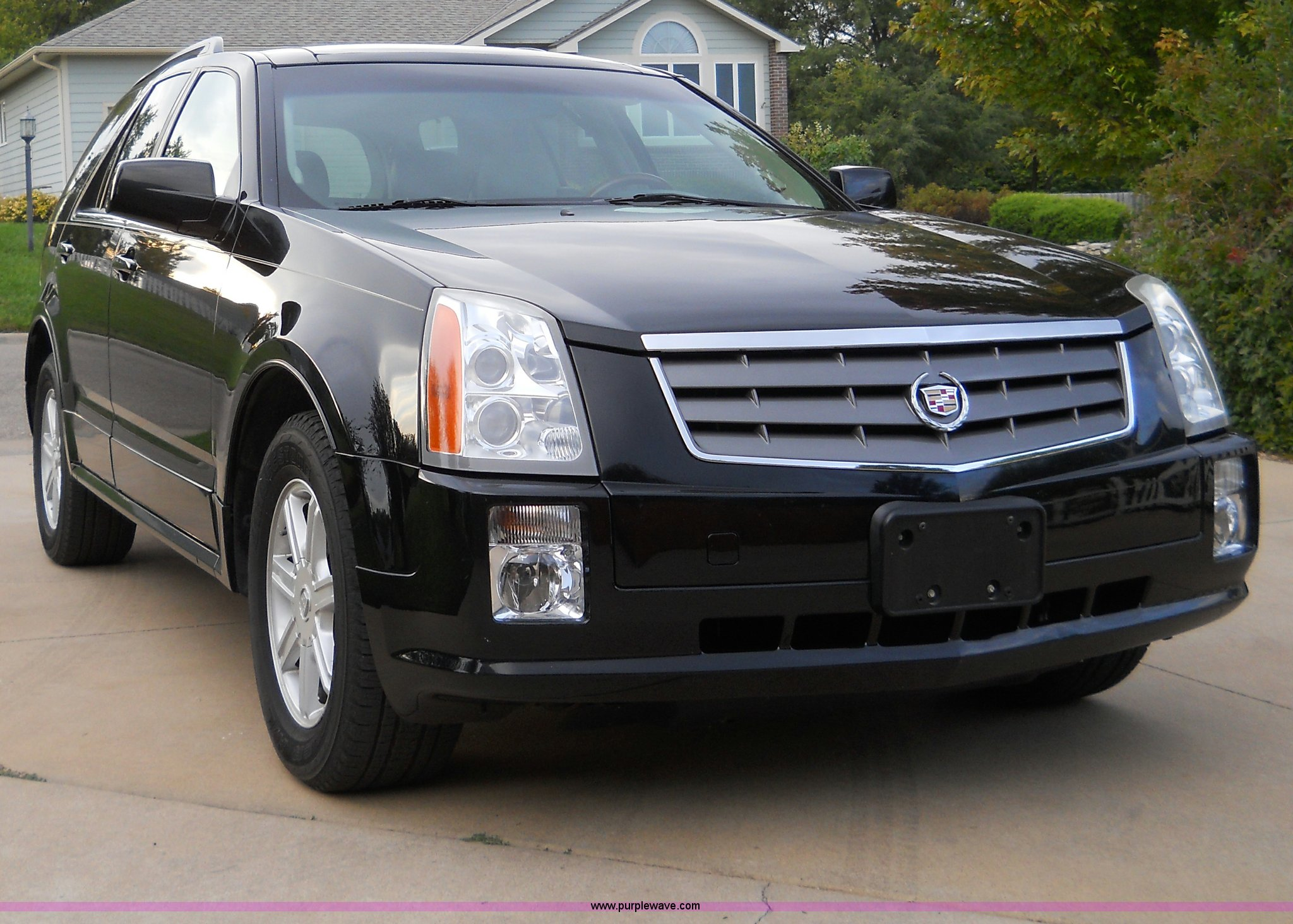 2004 cadillac srx suv item b1870 sold wednesday april 3. Black Bedroom Furniture Sets. Home Design Ideas