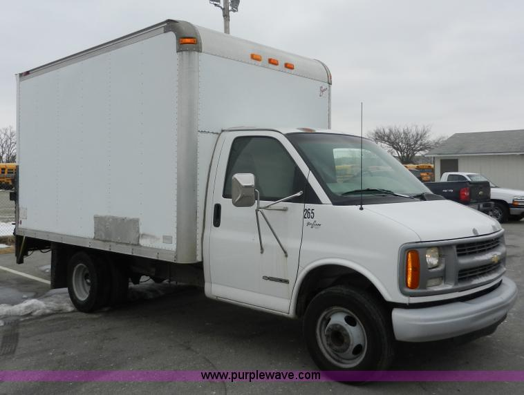 1999 Chevrolet Express 3500 Cargo Box Truck In Junction City Ks Item A3952 Sold Purple Wave