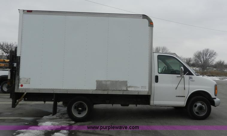 1999 chevrolet express 3500 cargo box truck item a3952 s rh purplewave com 2025 Chevy Trucks chevy box truck 2003
