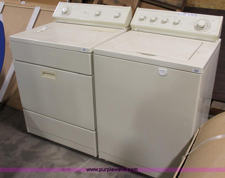 Whirlpool Washer And Dryer Set Item W9398 Sold