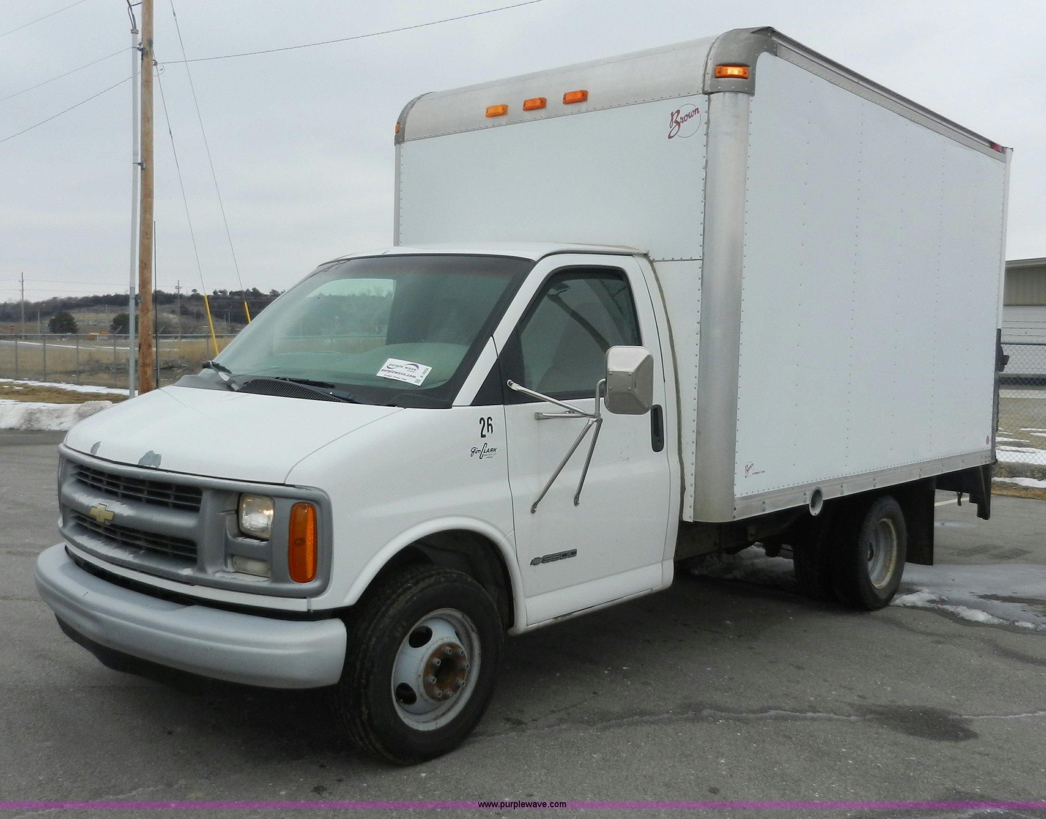 1999 chevrolet express 3500 cargo box truck item a3952 s rh purplewave com chevy box truck 2003 1976 Chevy Truck