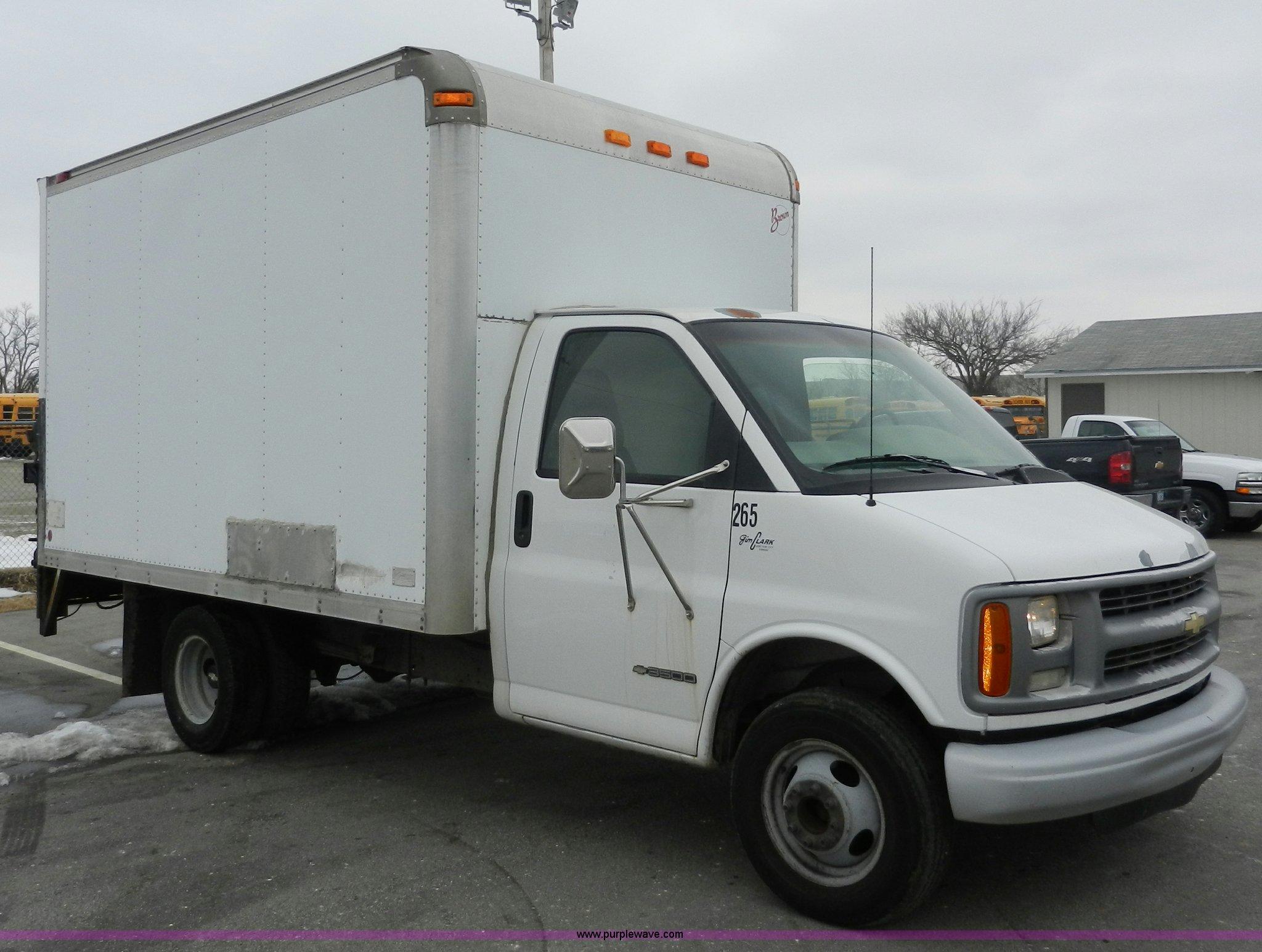 1999 chevrolet express 3500 cargo box truck item a3952 s rh purplewave com 2025 Chevy Trucks 2040 Cars Chevy Mud Truck