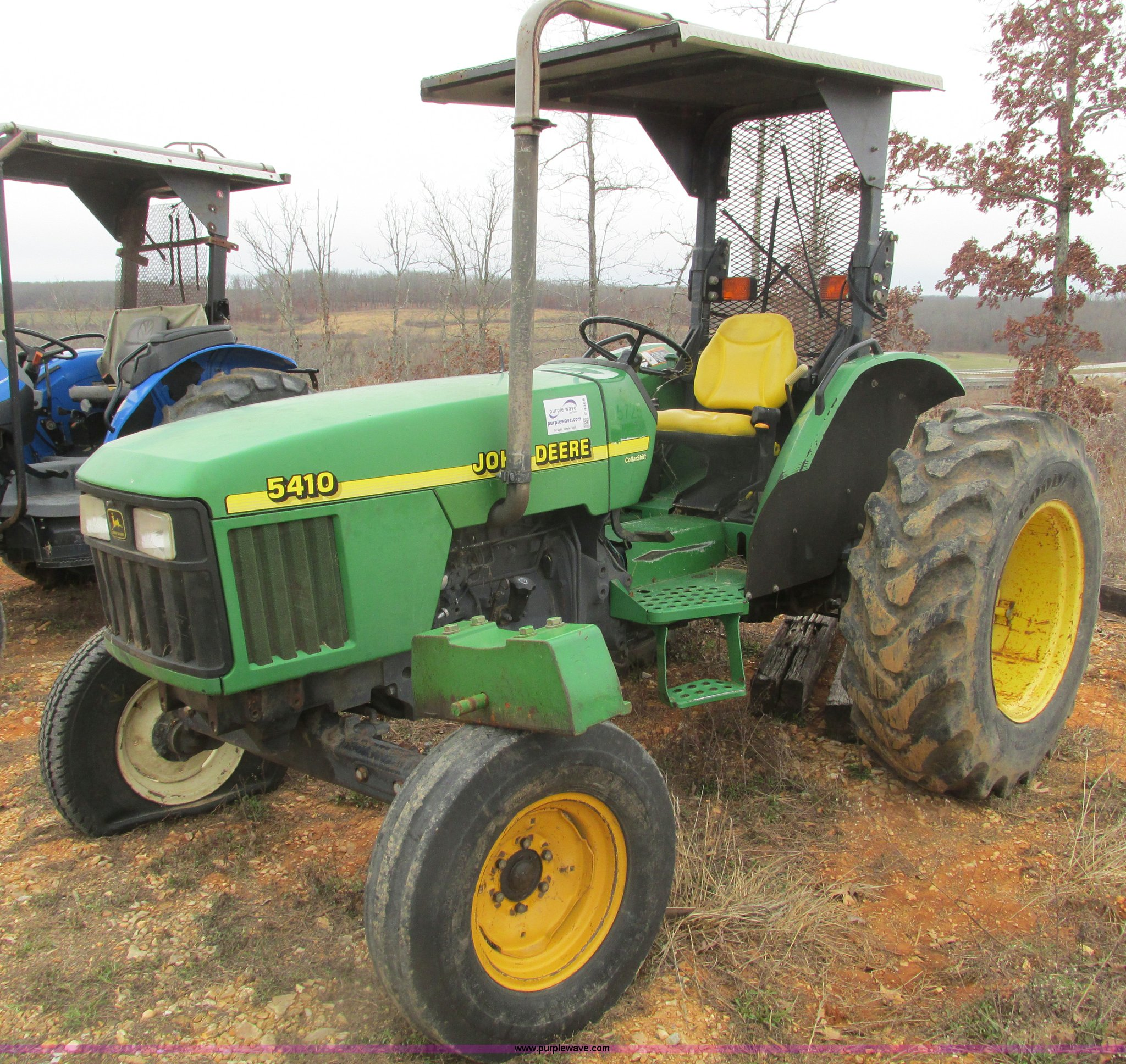 F4468 image for item F4468 1999 John Deere 5410 tractor
