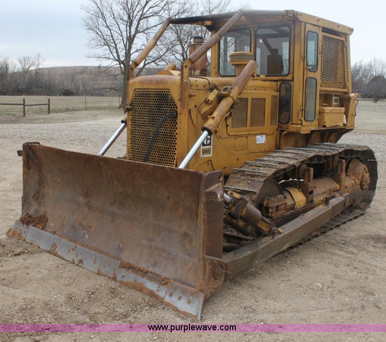 E8464 1974 caterpillar d6c dozer item e8464 sold! april 11 con Caterpillar D6C 10K at nearapp.co