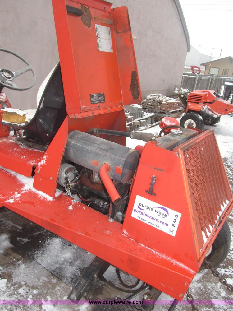 Jacobsen LF-100 lawn mower | Item B5433 | SOLD! April 17 Mid