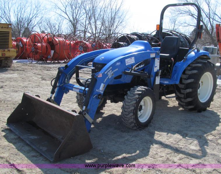 2006 New Holland TC45A MFWD tractor | Item D7245 | SOLD! Apr