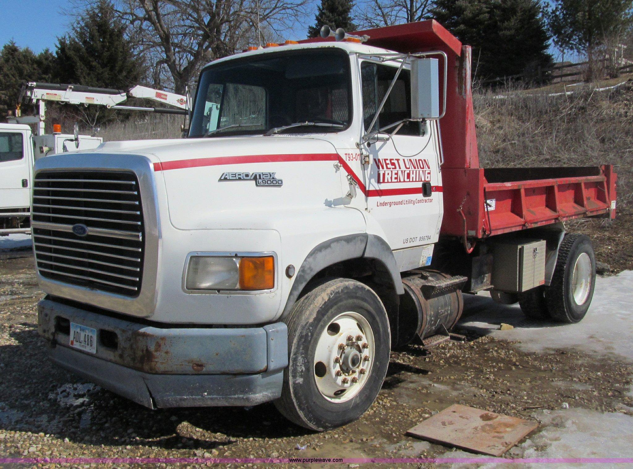 1993 ford l9000 aeromax dump truck item d7248 sold apri rh purplewave com Ford L9000 Craigslist 1990 Ford L9000