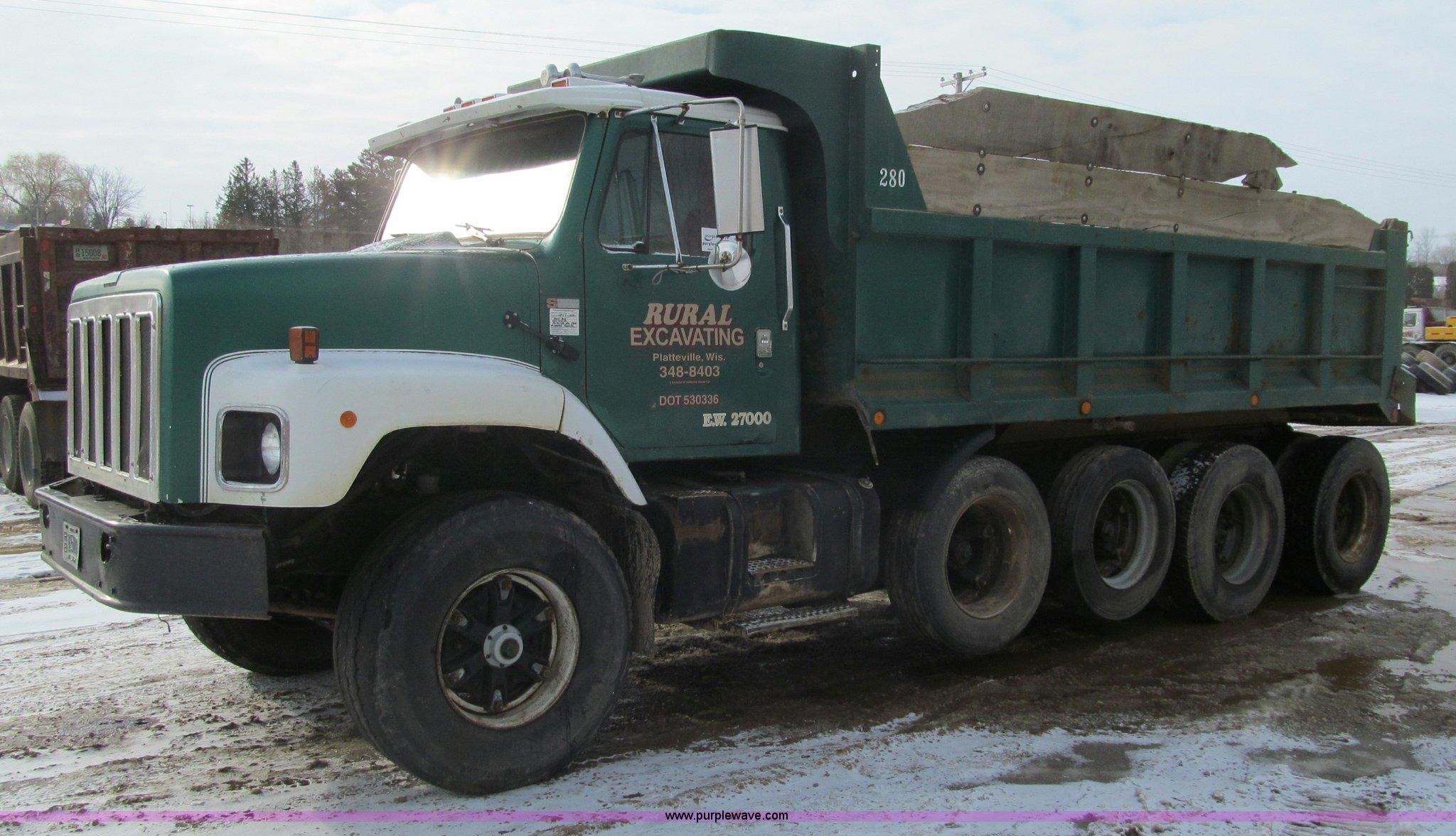 F5953 image for item F5953 1978 International F2674 quad axle dump truck
