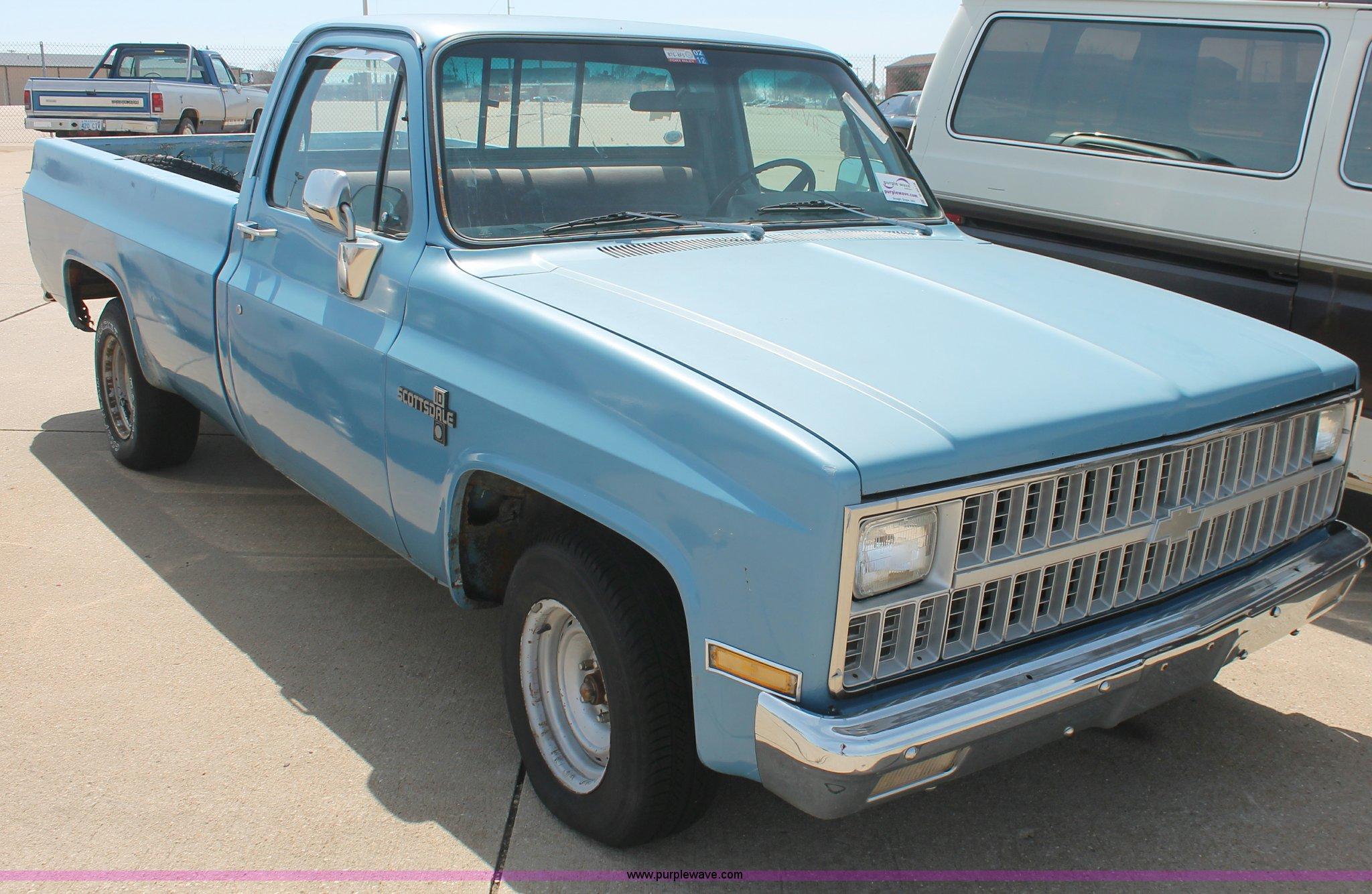 1982 Chevrolet Scottsdale 10 Pickup Truck Item D8019 Sol