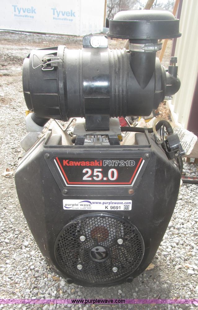 Kawasaki 25.0 HP twin cylinder gas engine | Item K9691 | SOL...