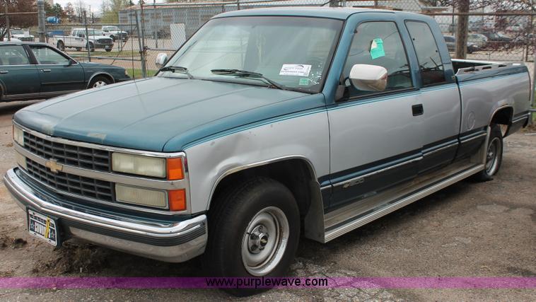 1992 Chevrolet Silverado Misfire - Truck Trend Garage