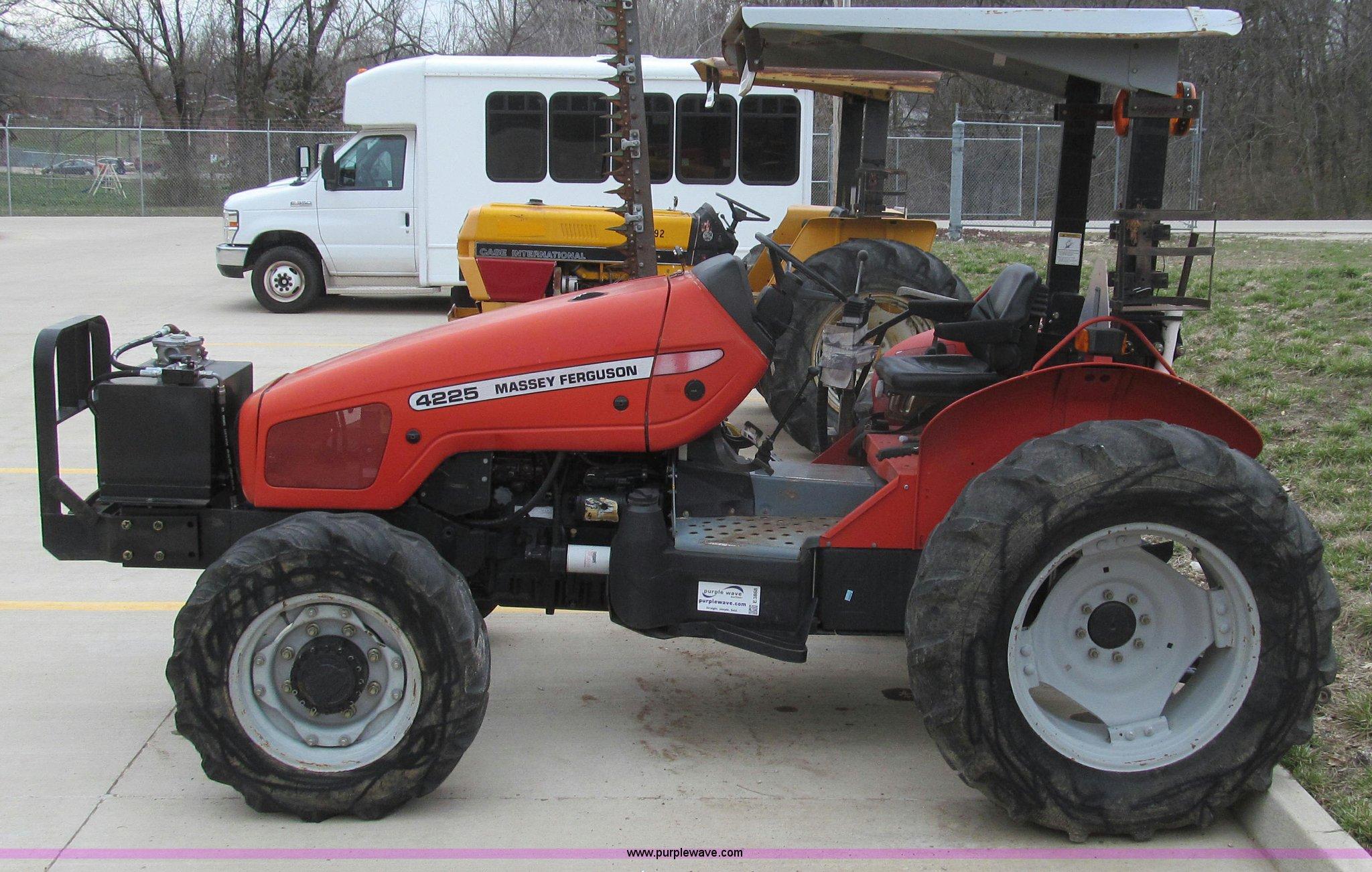 2000 massey ferguson 4225 mfwd tractor item e3868 sold rh purplewave com Massey Ferguson 1533 Hydraulic System massey ferguson 4225 workshop manual