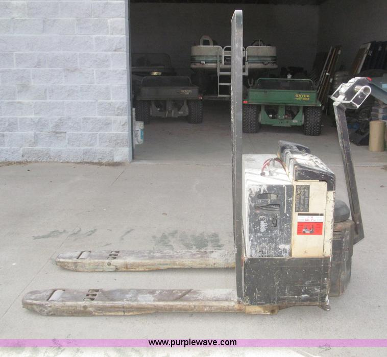Crown 40GPW 4 14 Electric Pallet Jack Item B5457 SOLD M