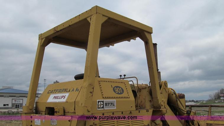 1974 Caterpillar 977L track loader | Item E3898 | SOLD! May