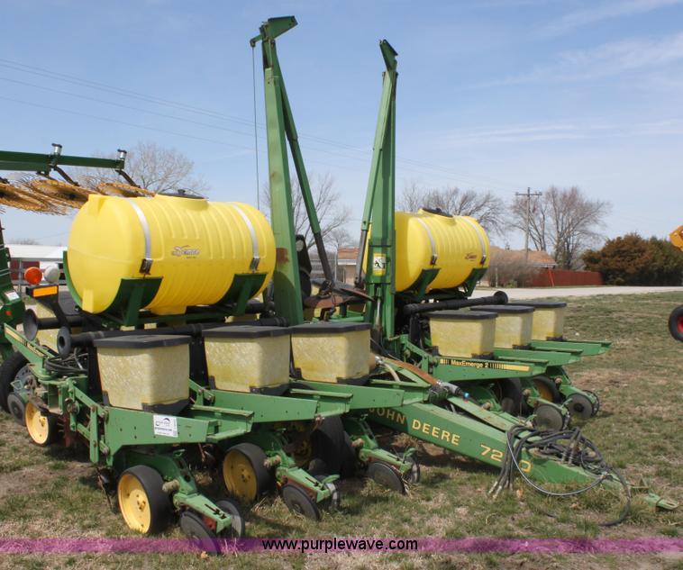 1991 John Deere 7200 Planter Item F8694 Sold May 15 Ag