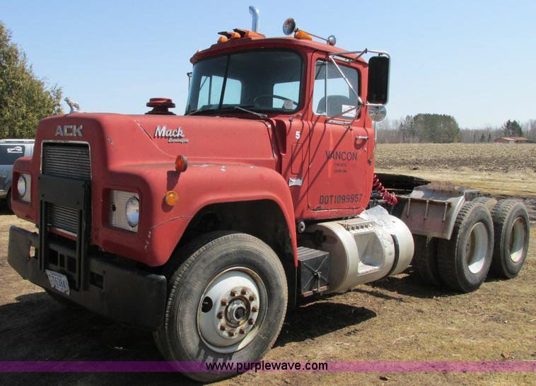 1985 Mack Truck : Mack r st semi truck item e sold may