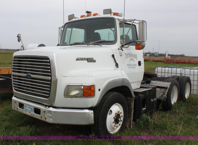 1993 ford aeromax l9000 semi truck item a3508 sold may rh purplewave com Ford L9000 Single Wheel Ford L9000 Craigslist