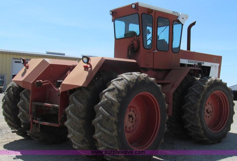 ... E3942 image for item E3942 1976 International 4366 4WD tractor