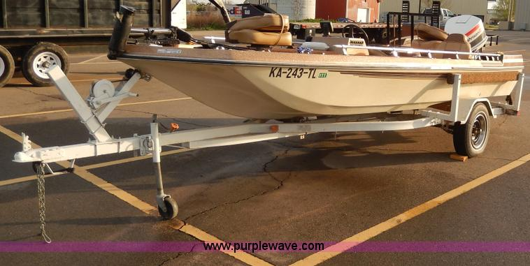 1976 Bandit Arrowglass Bass Boat No Reserve Auction On