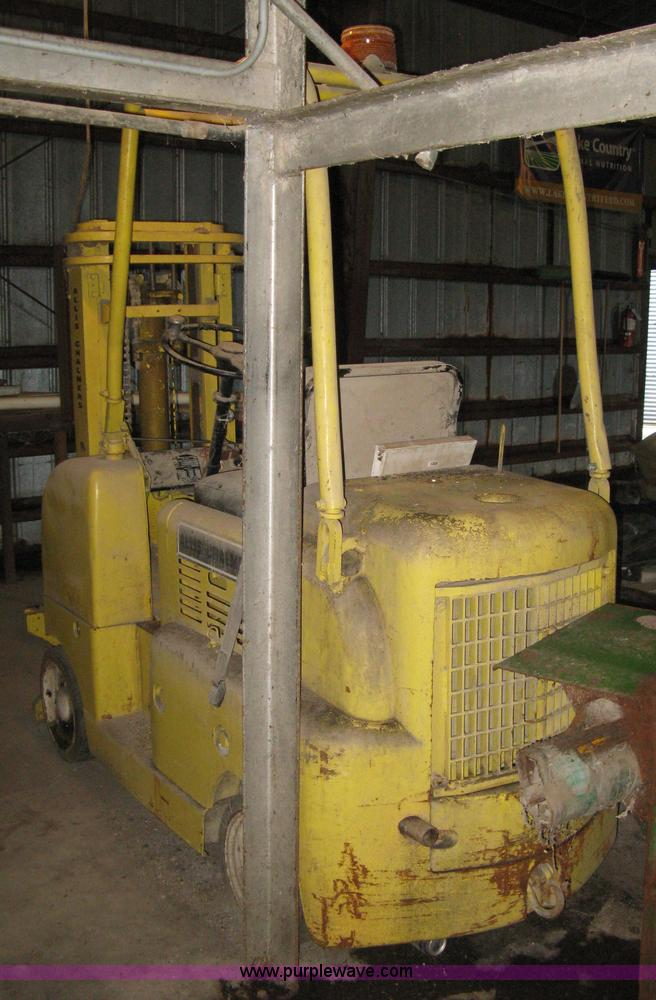 Allis Chalmers F40-24 forklift | Item E3454 | SOLD! May 29 M