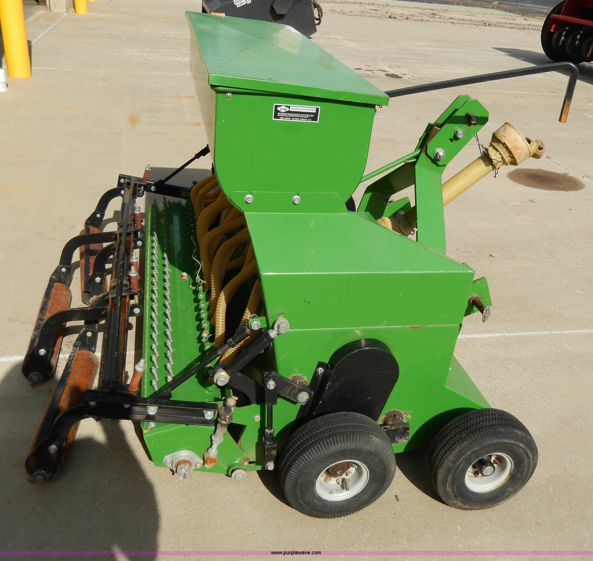 Gandy Slit grass seeder | Item W9775 | SOLD! May 29 Midwest