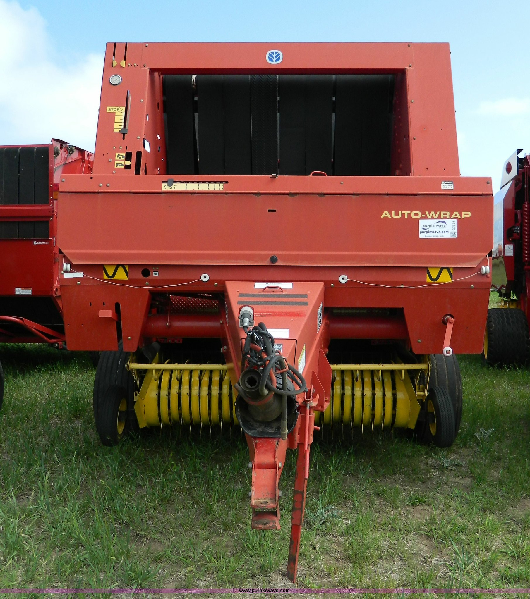 ... Holland 664 round baler Full size in new window ...