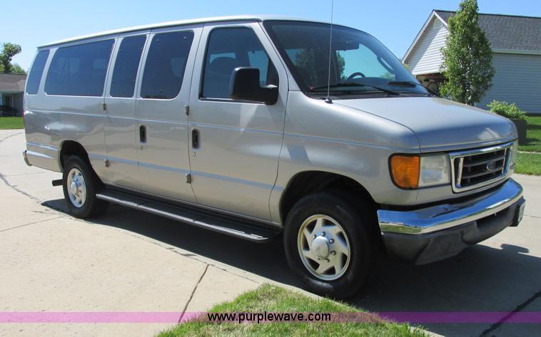 2003 ford e350 xlt super duty extended 15 passenger van it. Black Bedroom Furniture Sets. Home Design Ideas
