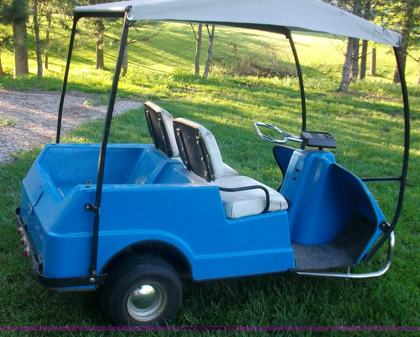 1982 Harley Davidson golf cart | Item C1126 | SOLD! June 12...