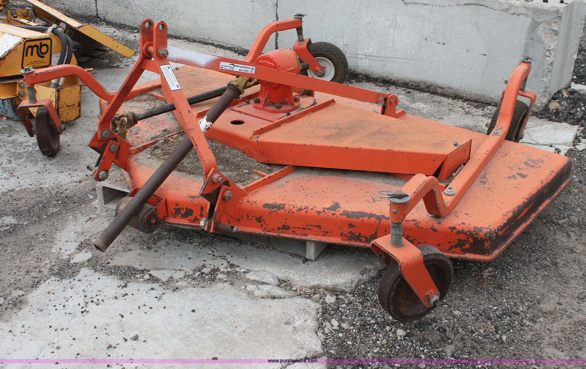 Three point finish mower | Item AH9096 | SOLD! June 13 Const