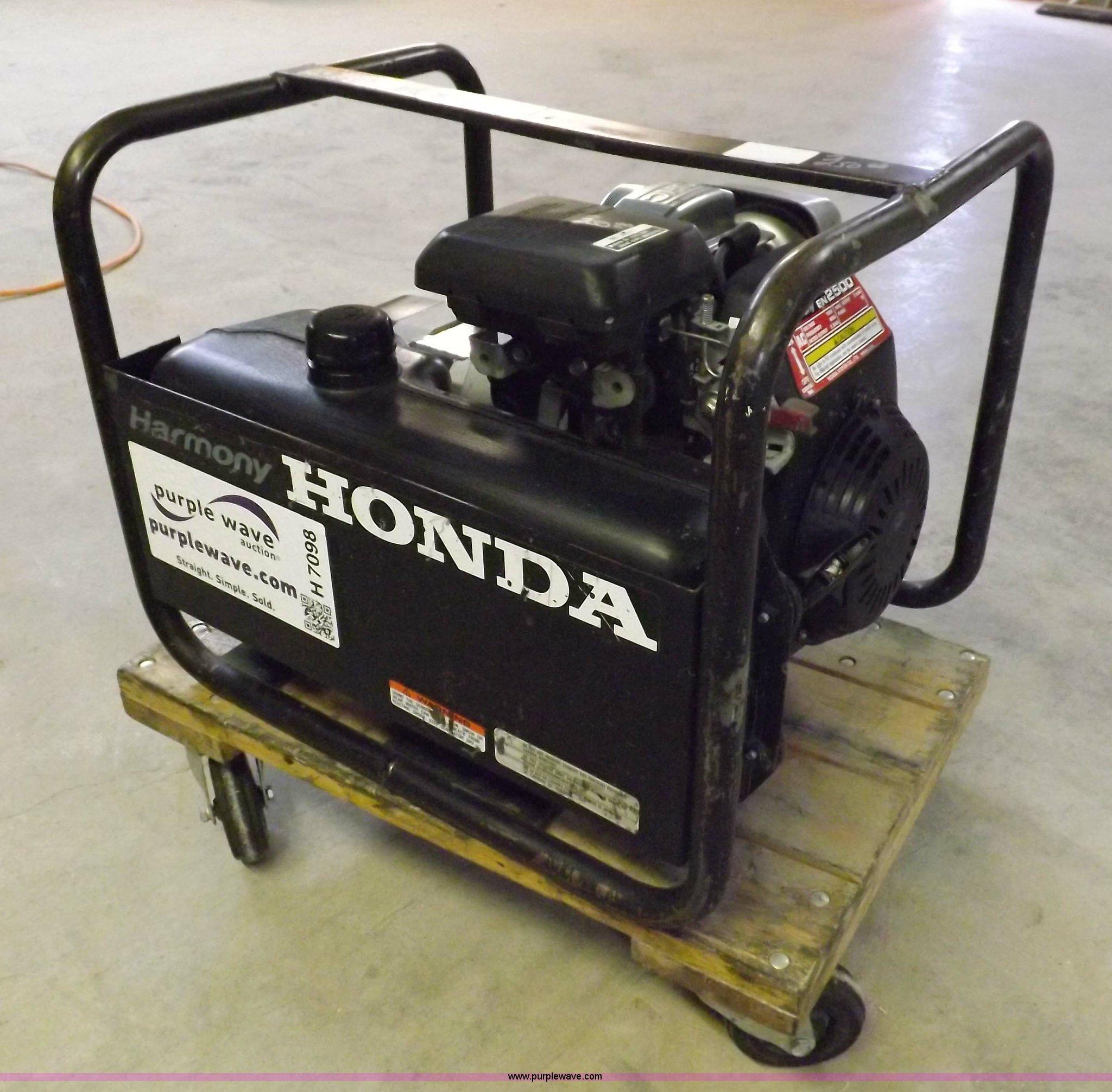 Honda Harmony 2 5 kW generator Item H7098