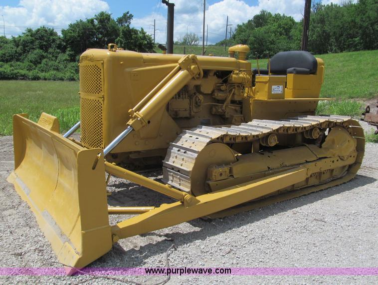 Caterpillar D6 dozer | Item F5090 | SOLD! June 27 Constructi