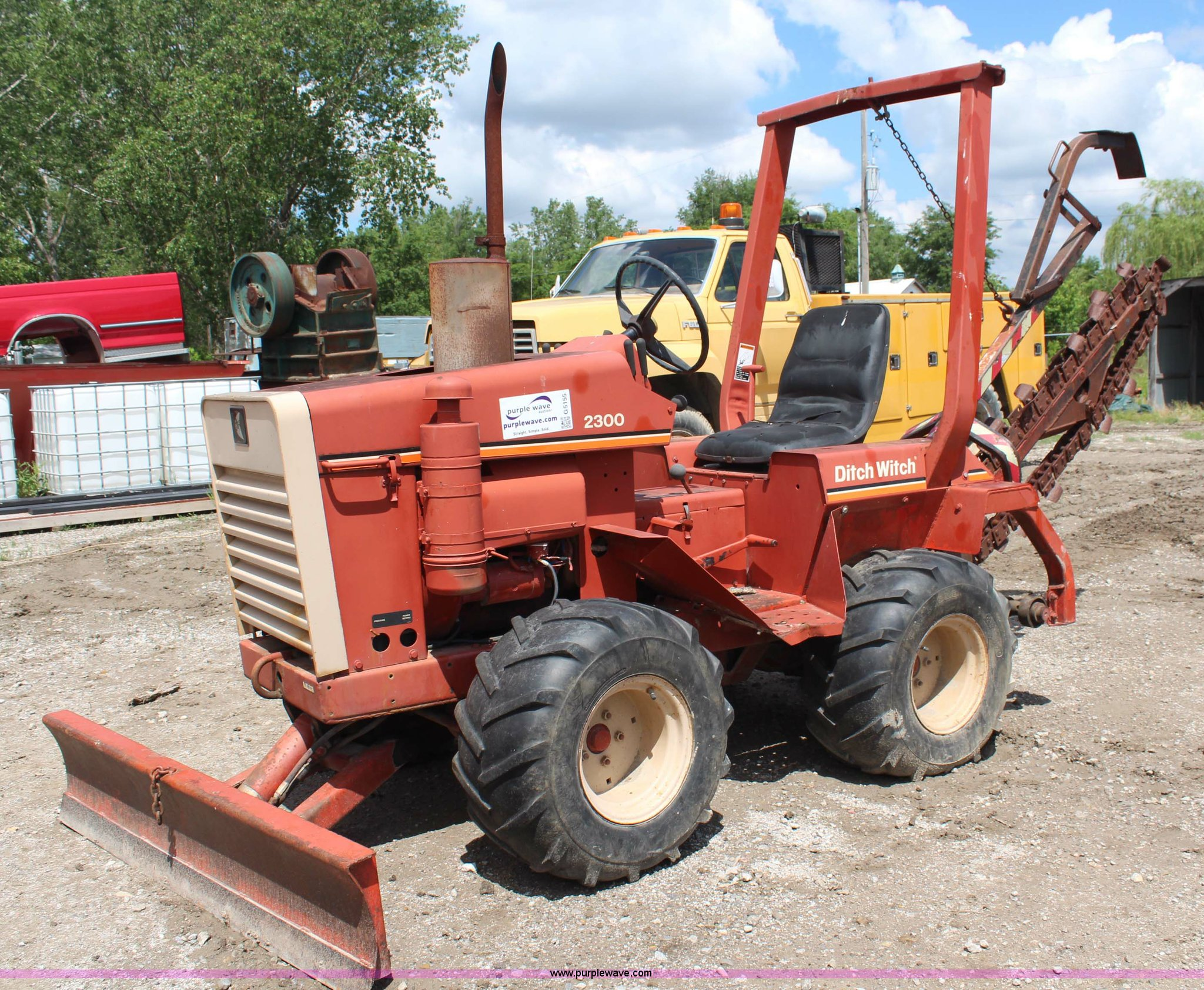 Ditch Witch 2300 trencher | Item G5155 | SOLD! June 27 Const