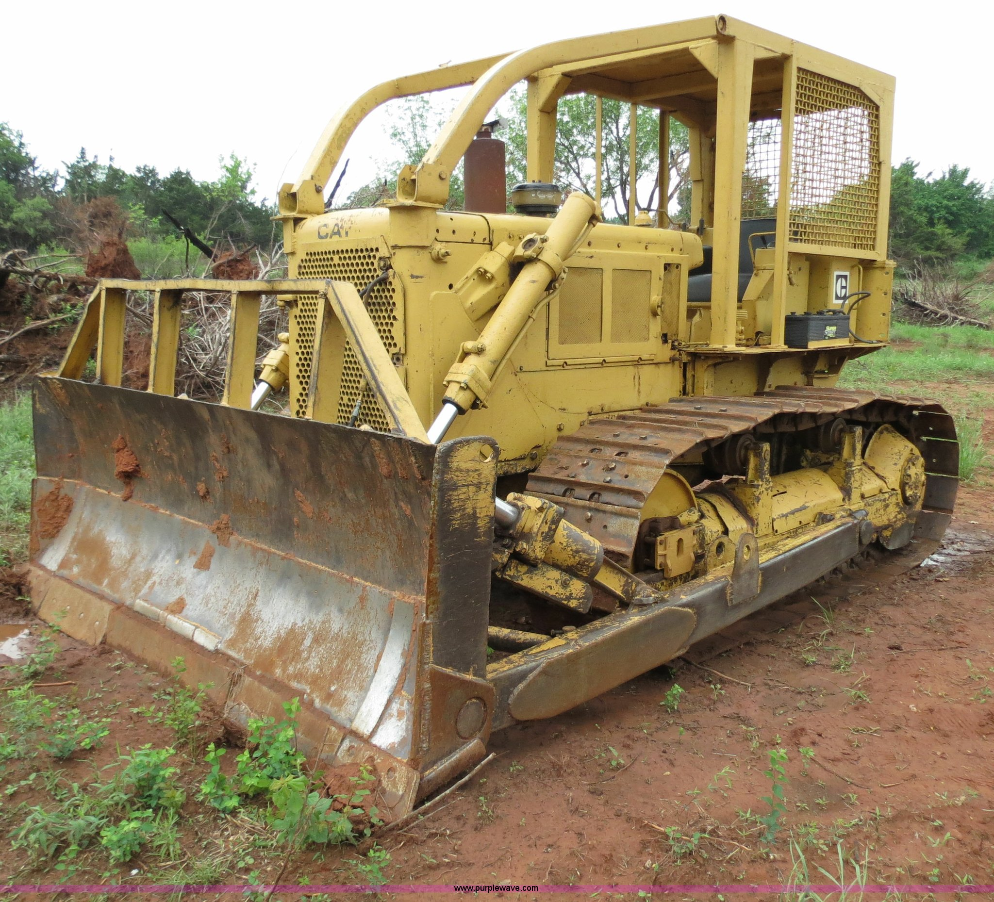 1970 Caterpillar D6C dozer | Item B4774 | SOLD! June 28 Okla
