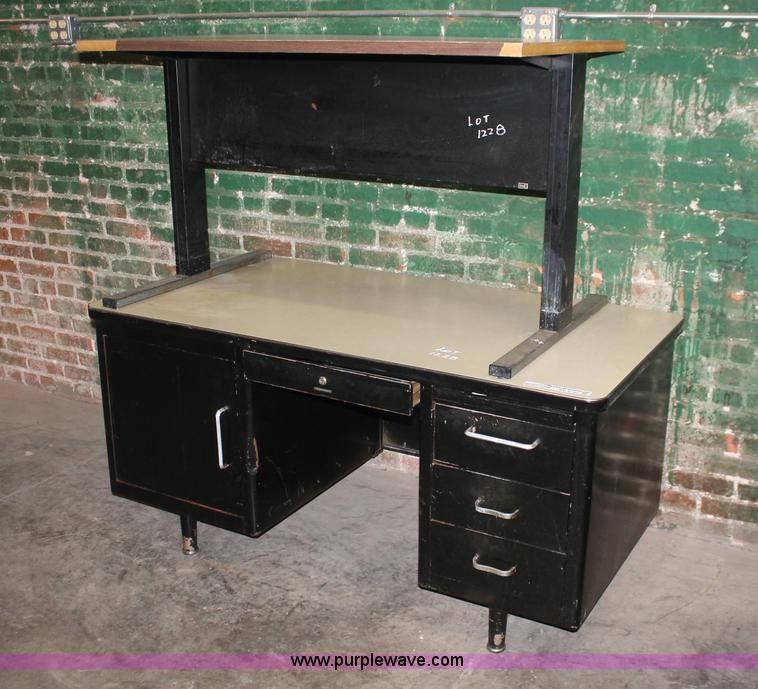 Assorted Office Furniture Item Av9197 Sold July 12 Cit