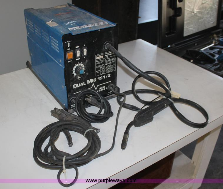 Chicago Electric Dual Mig 13 1/2 welding system | Item AV923...