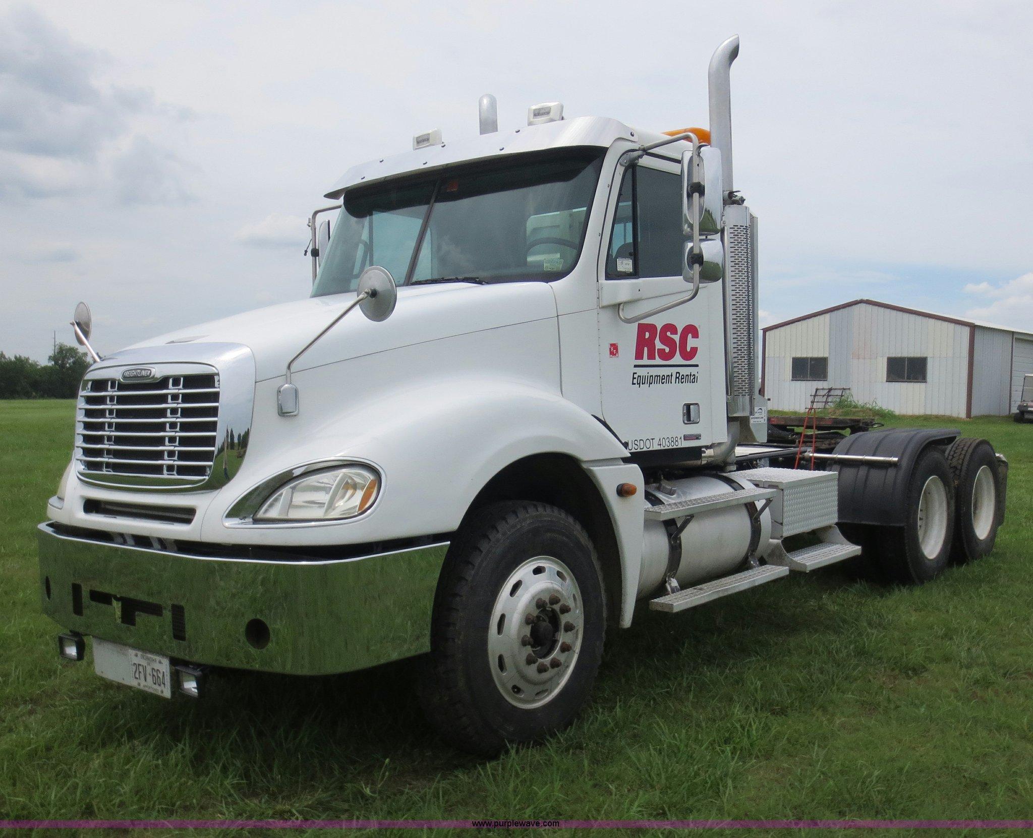 2005 Freightliner Columbia semi truck | Item B2481 | SOLD! J